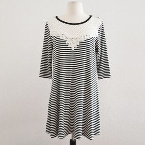 Dresses & Skirts - Black and White Lace Collar Stripe Dress Size M